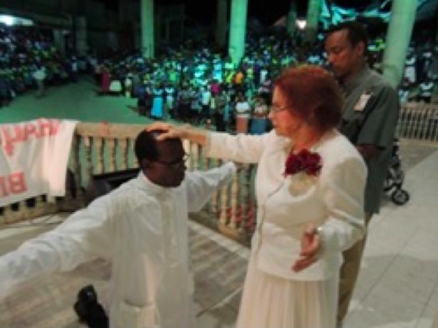 Dr. Verna Linzey praying an impartation prayer